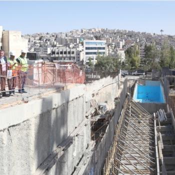 أمين عمان يتابع مشاريع البنية التحتية للباص سريع التردد ومحطات الركاب