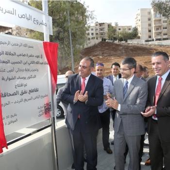 أمين عمان يفتتح مشروع تقاطع نفق الصحافة ضمن مشروع الباص سريع التردد